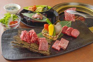 溶岩で焼くからジューシー! プチ贅沢な「焼肉ランチ」が大阪に登場  の画像