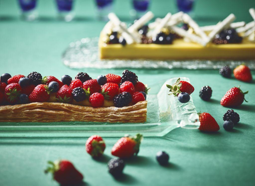 サマーフルーツのブッフェに、揚げピッツァも! 最新グルメ3選の画像