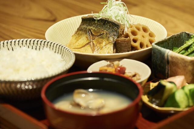 「前沖鯖の柚味噌煮定食」1,200円