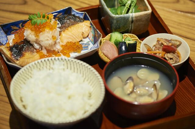 「銀鮭の幽庵焼き定食」1,300円