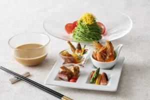 2,000円台のプチ贅沢! ホテル最上階で味わえる期間限定「冷やし麺」の画像