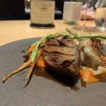 食通が魅せられた「今月の一皿」。食感が素晴らしい鳩のロースト