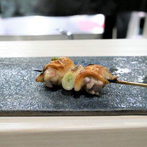 """食通が魅せられた「今月の一皿」。希少な""""無菌鶏""""に感動の画像"""