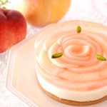 一玉を贅沢に使用した「まるごと桃ケーキ」も! アンテノールにて夏の桃フェスタが開幕