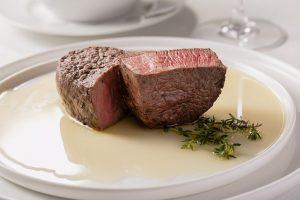 自腹で肉を食べるなら、味とコスパに徹底的にこだわったステーキで決まり!の画像