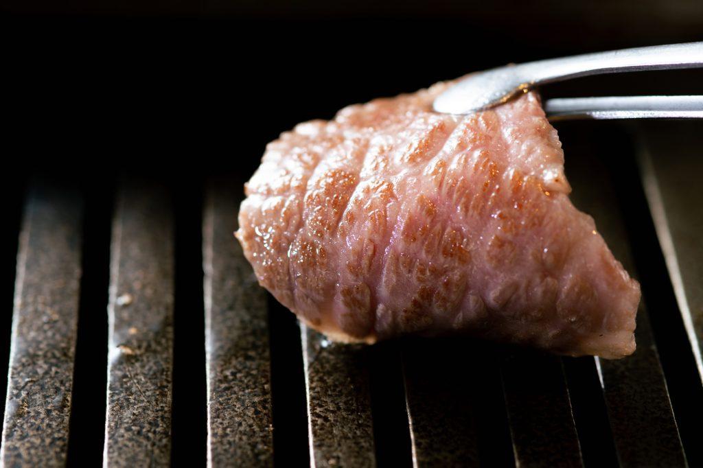 〈食べログ3.5以下のうまい店〉黒毛和牛の「焼肉」がなぜお手頃に?の画像