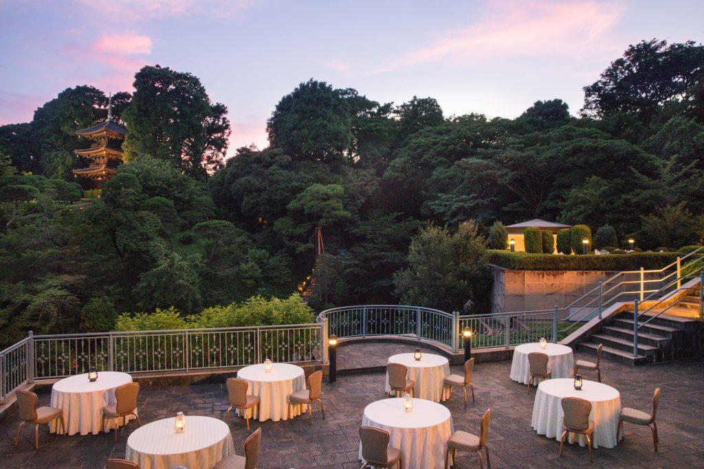 テラスで優雅なディナーを。L'OCCITANE×ホテル椿山荘東京のコラボメニューが登場の画像